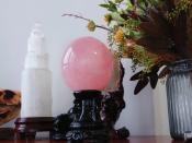 粉色水晶球的摆放!粉水晶球摆放位置很重要!