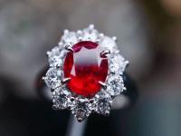 缅甸红宝石为什么价格高?一起看看珠宝内行人士的分析