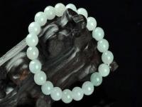那么翡翠珠子的价格高吗?我们要怎么判断它的价格?