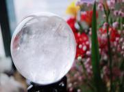 摆放白水晶球有什么好处呢?快来看看吧!