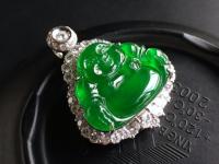 帝王绿翡翠到底有多美艳多珍贵?带你领略它的风采!