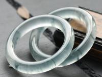 极品翡翠手镯价格为何如此昂贵,天价的翡翠手镯到底有哪些优势
