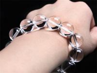 佩戴白水晶手链的功效与作用,一起了解下。
