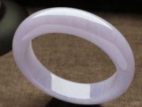 紫罗兰翡翠有几种颜色?什么品质的紫罗兰翡翠手镯价值高?