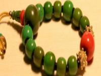 黄褐色松石可以盘绿,经过长期盘玩会呈现军绿色效果