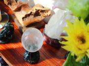 白水晶柱能放卧室吗?卧室放水晶球的风水?