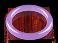 紫罗兰手镯多少钱?怎么挑选紫罗兰翡翠手镯?